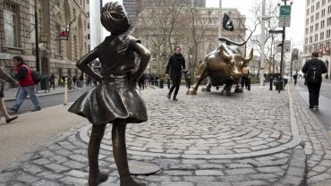 raging bull, fearless girl